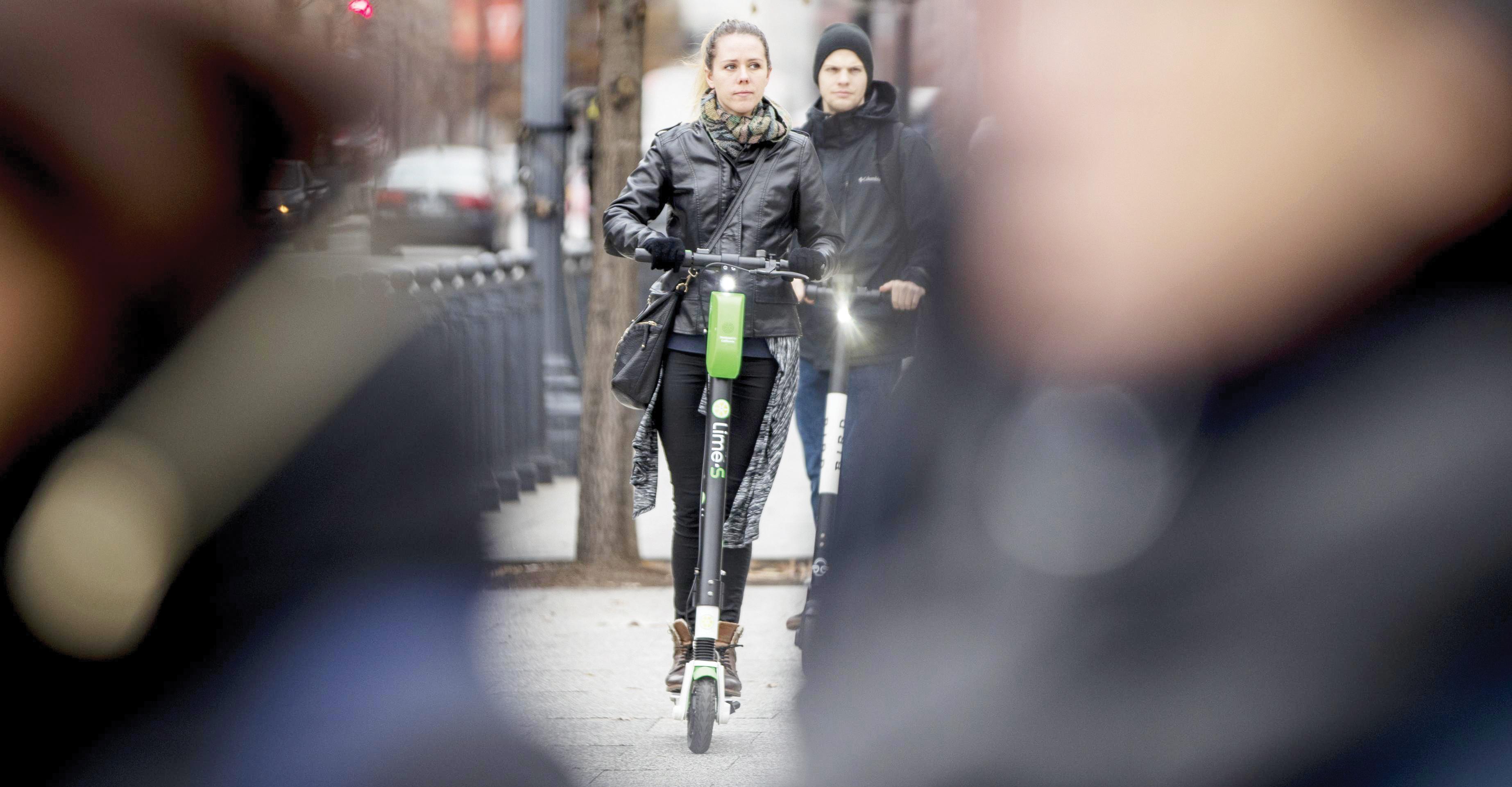 Buscan regular scooters eléctricos en DC