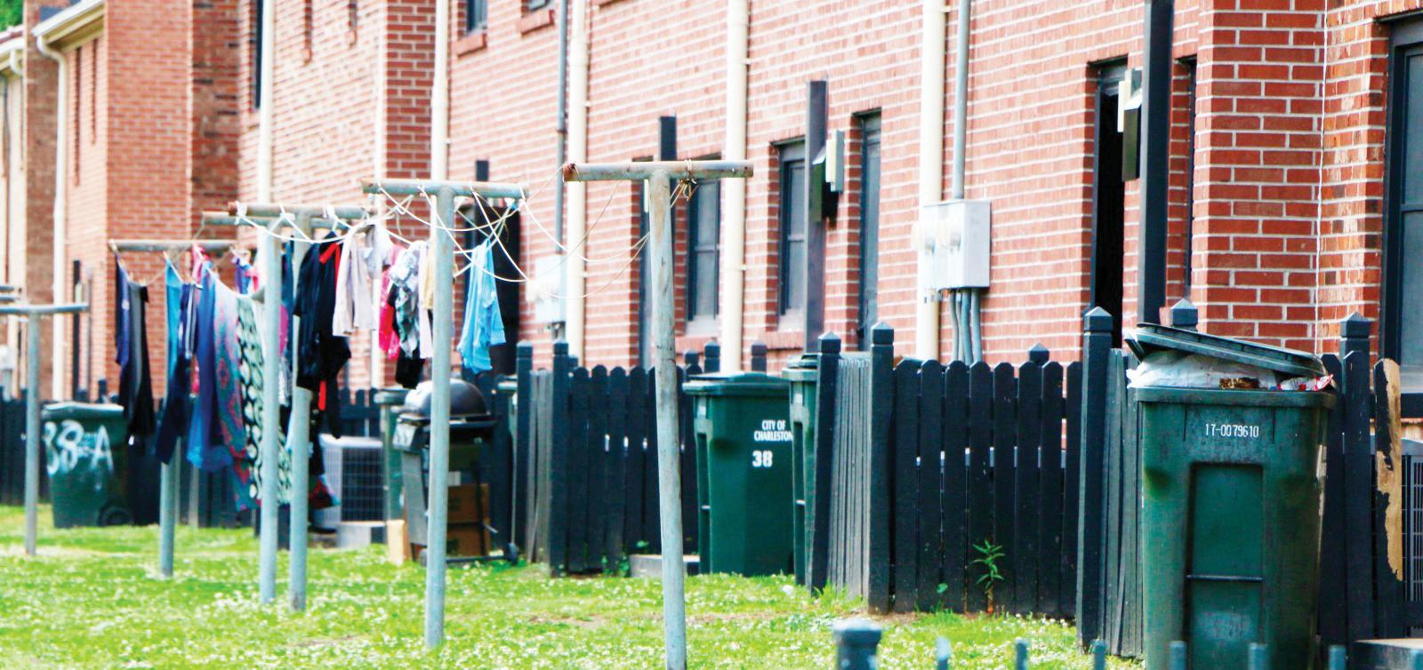 Destinan $24 millones para reparar viviendas públicas
