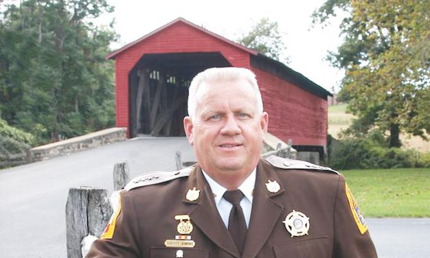 Inmigrante hispana demanda a Sheriff de MD