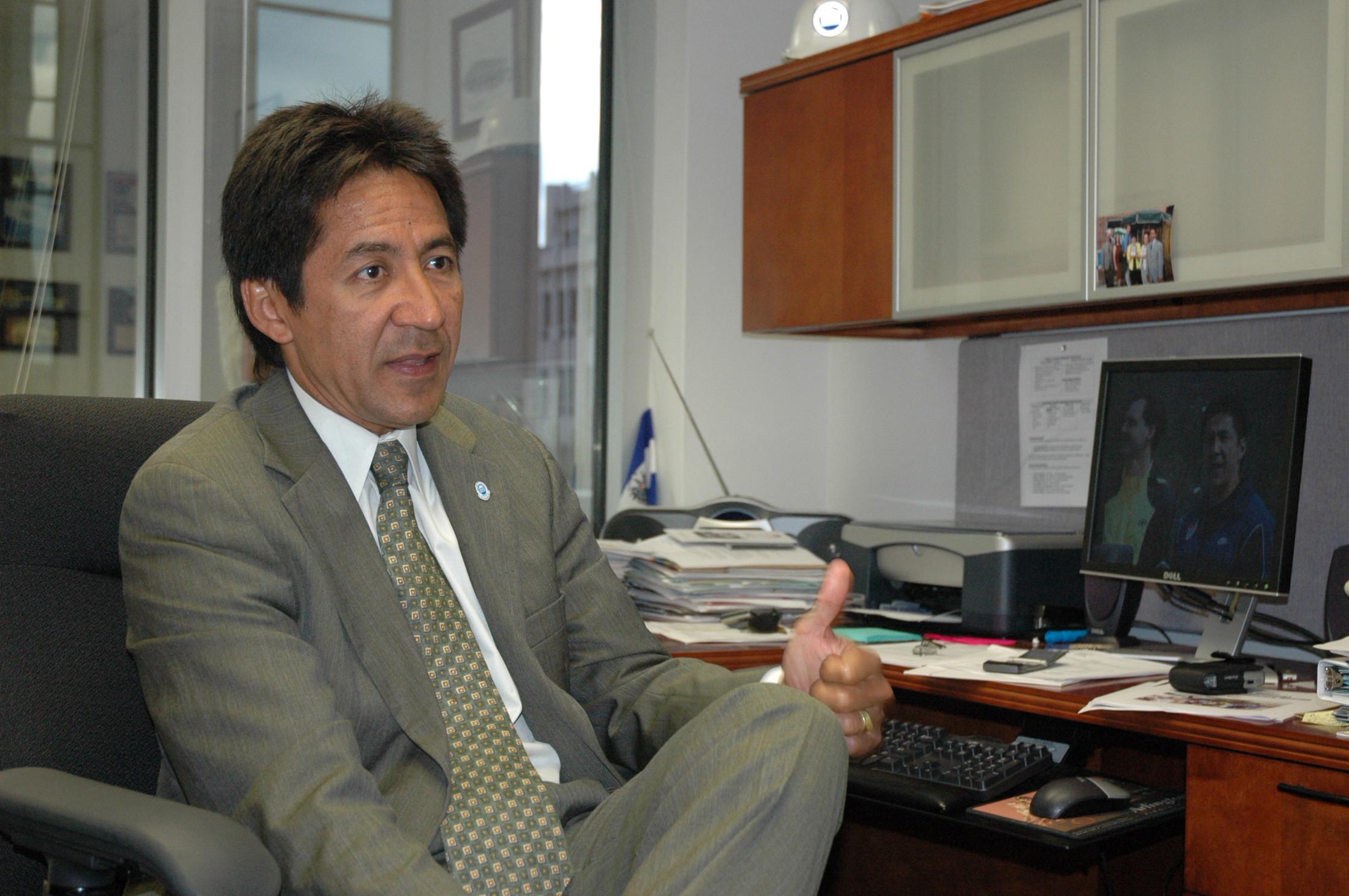 Walter Tejada: Si no votamos  habrá más ataques de odio