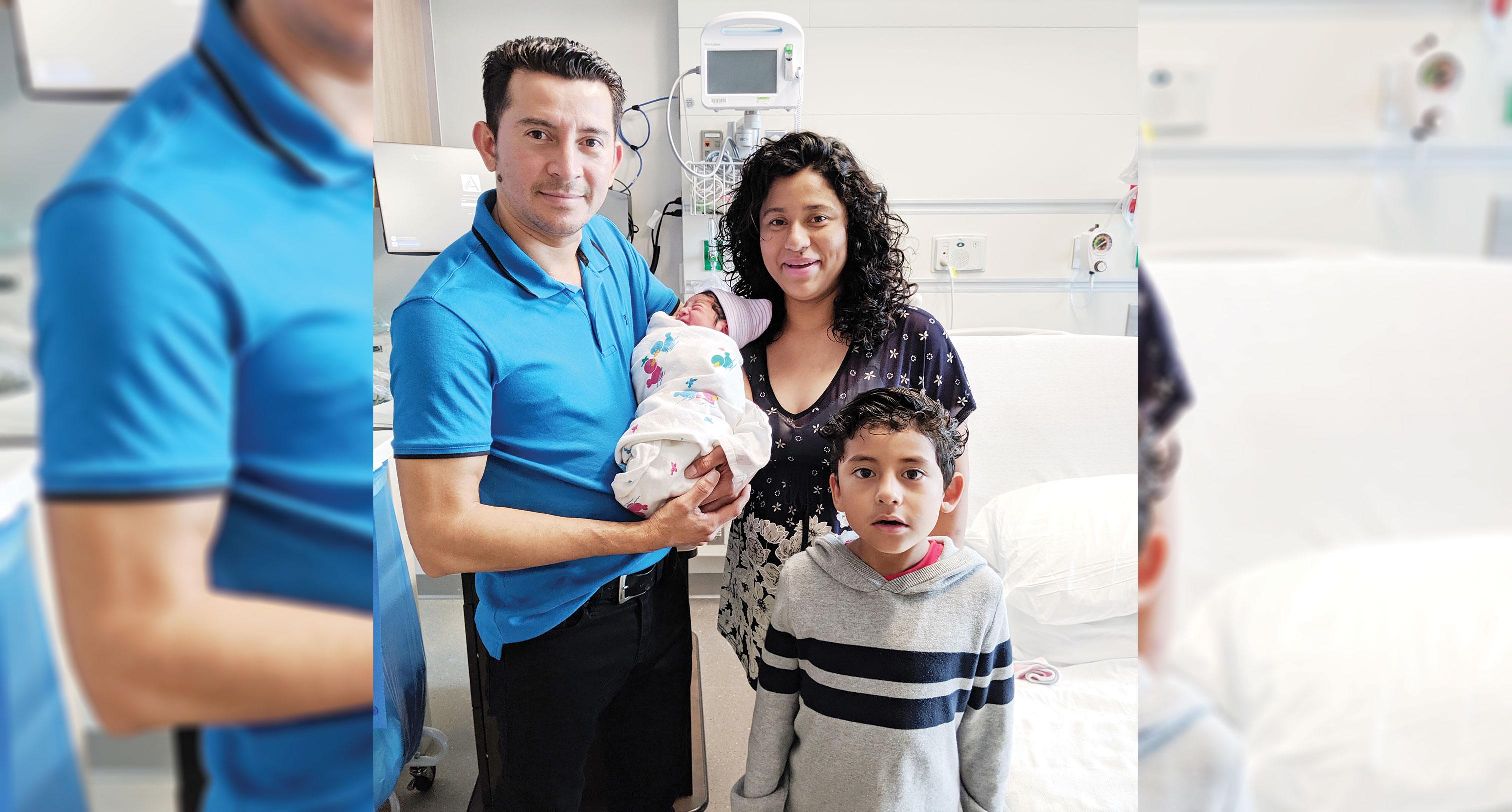 Primera bebé nace en nuevo hospital
