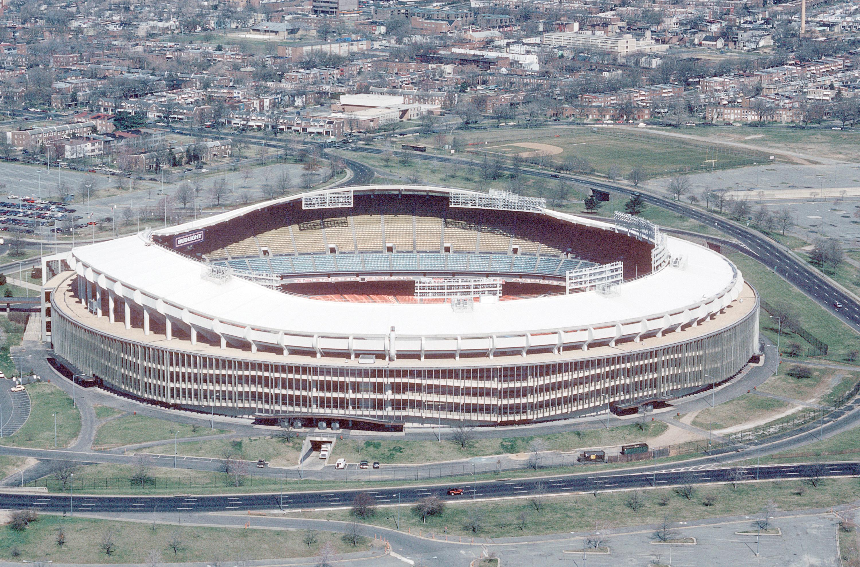 Demolerán el estadio RFK