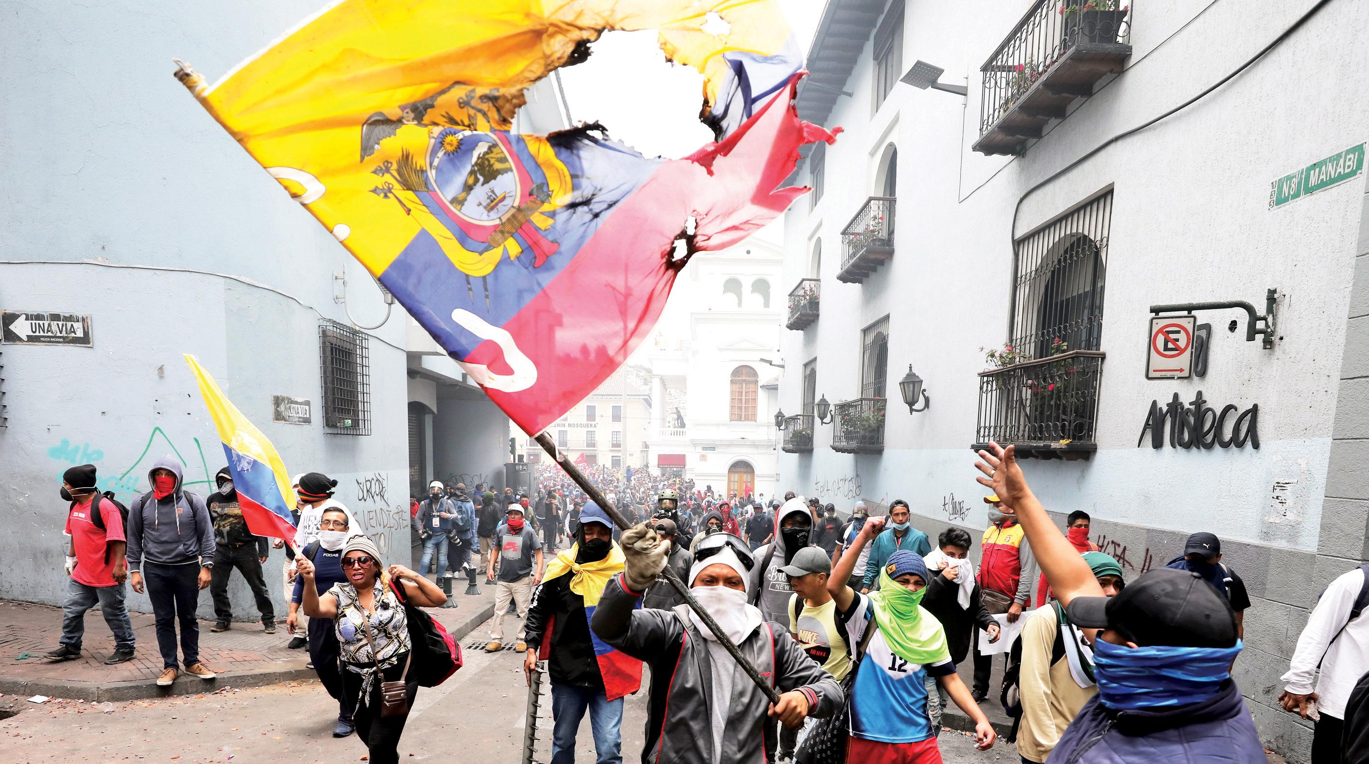 Protestas paralizan Ecuador