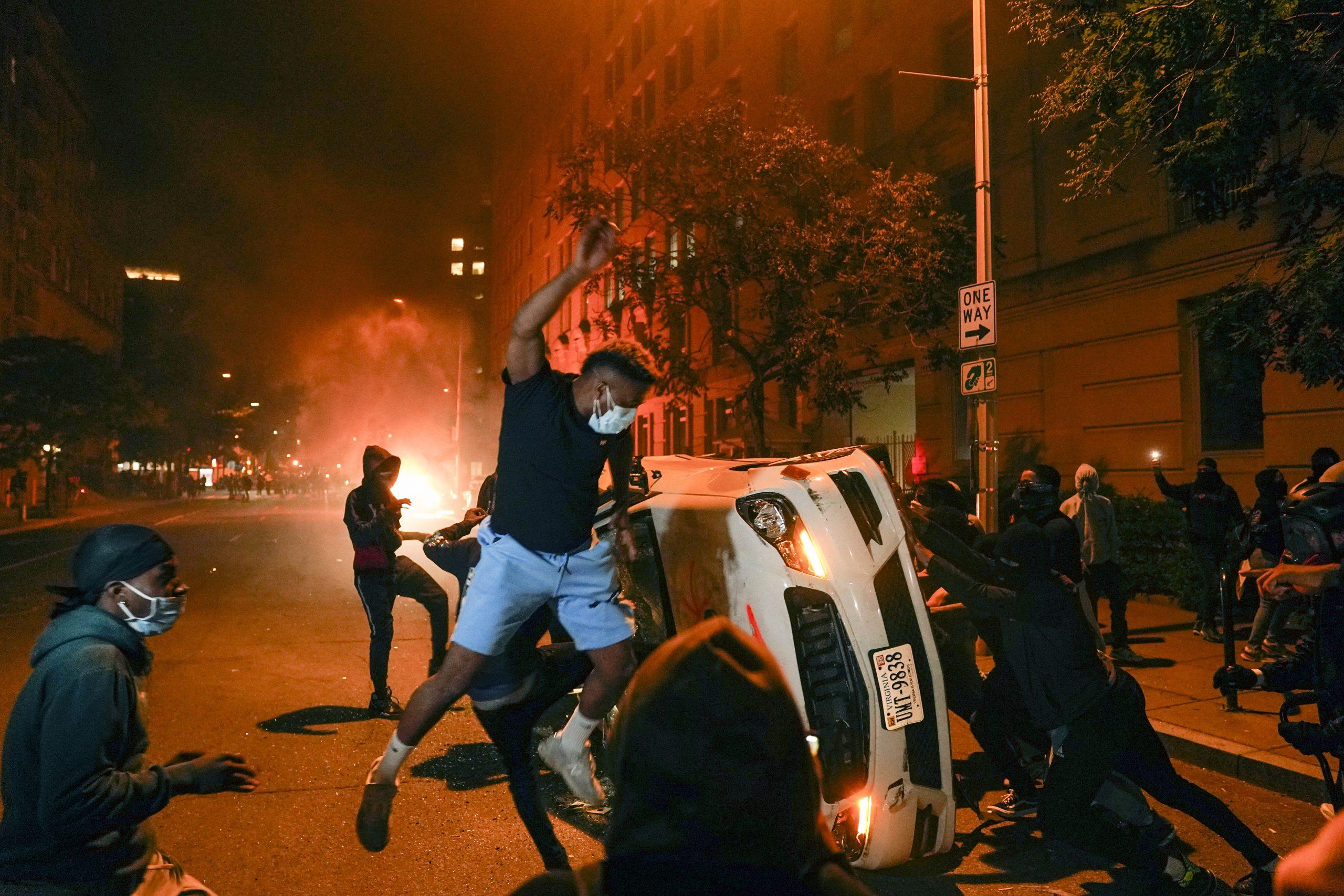 La violencia y la pandemia golpean al país