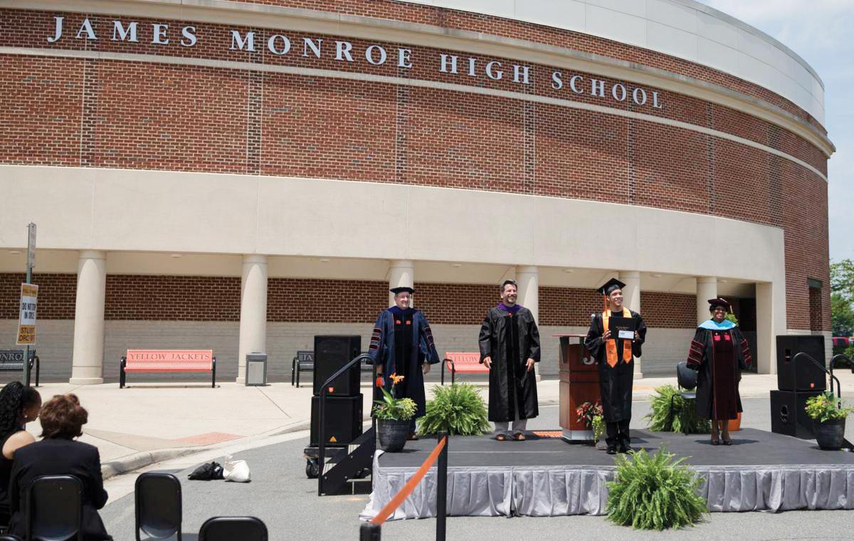 Cinco graduados en VA infectados por Covid-19
