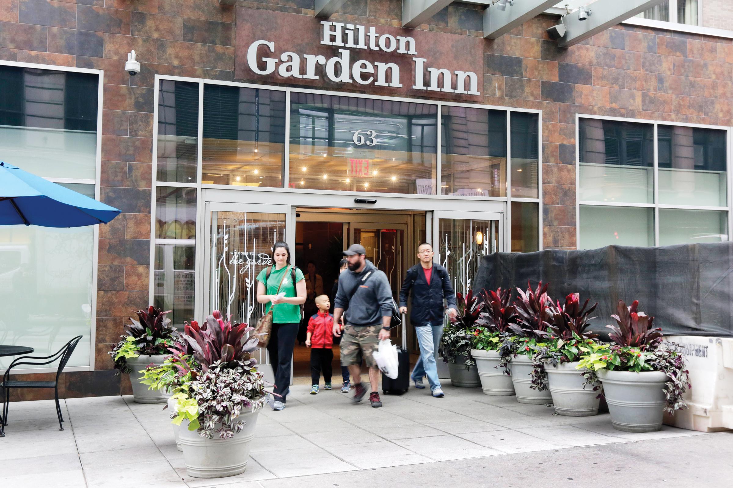 Hilton despide 2100 empleados