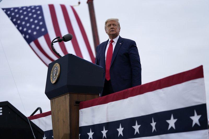 Trump mira hacia el oeste, buscando nuevos caminos hacia la Casa Blanca