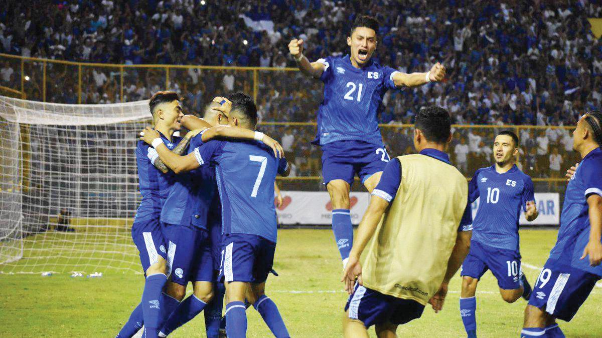 El Salvador lidera el Grupo A de Eliminatorias de la Concacaf