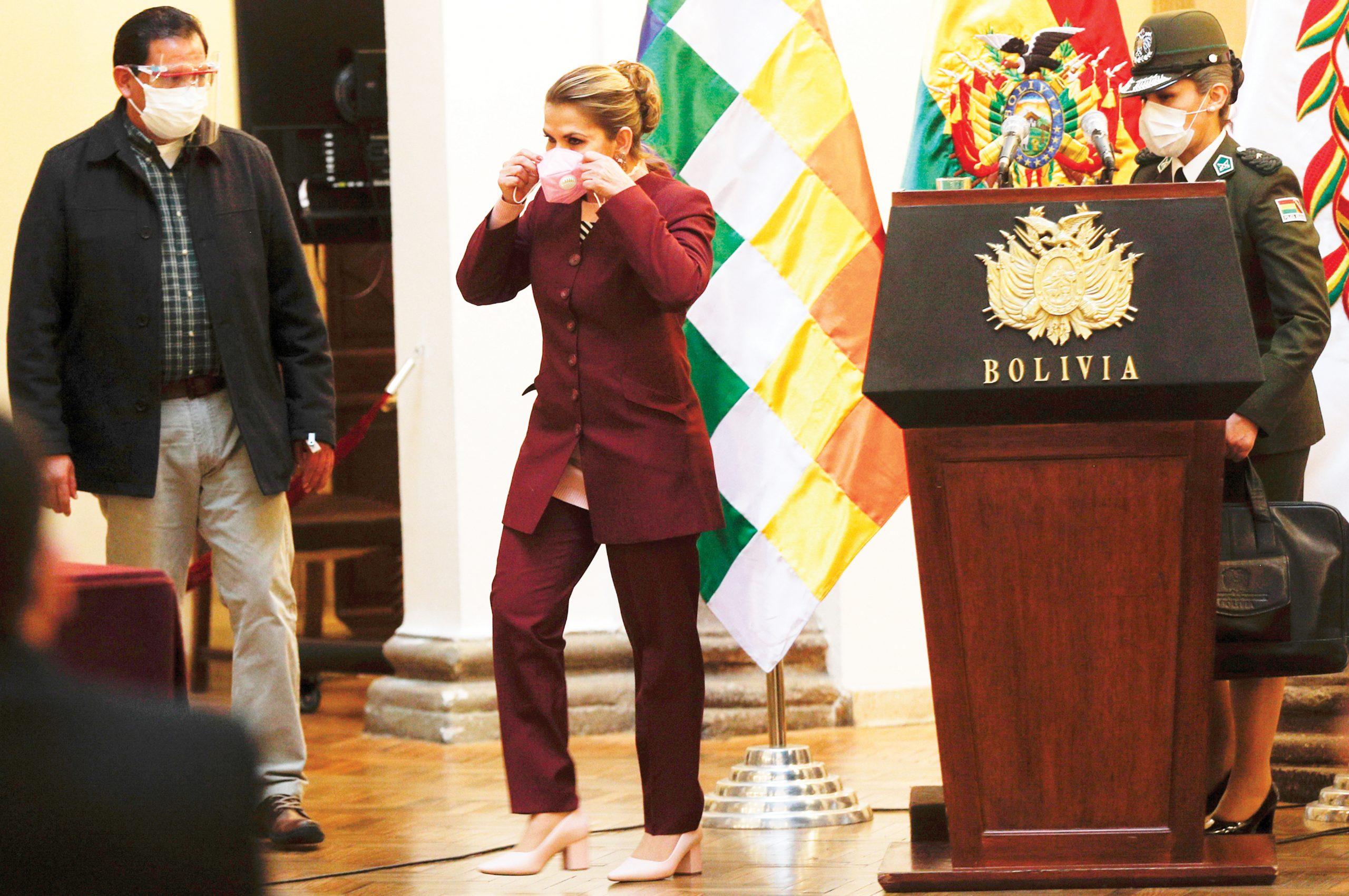 Bolivia reabre sus  vuelos al exterior