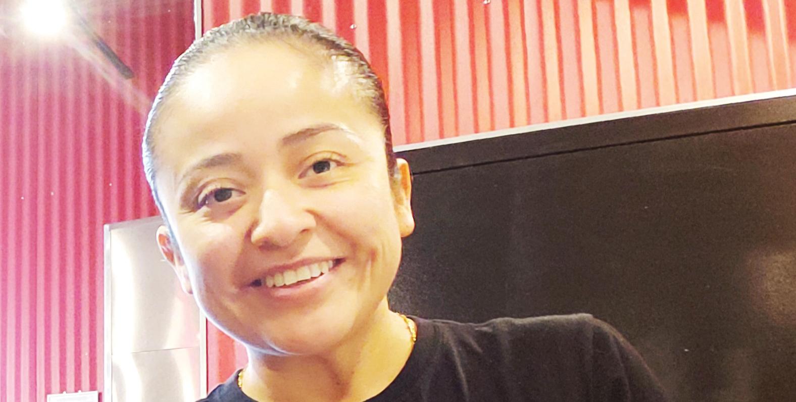 """Salvadoreña gana premio  """"Mejor Empleado del Año"""""""
