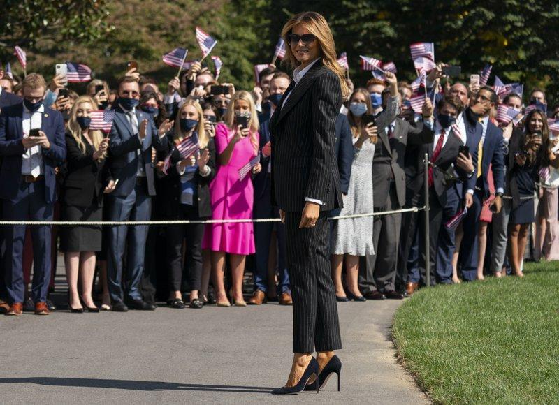 Melania Trump aún no aparece en público tras contraer COVID