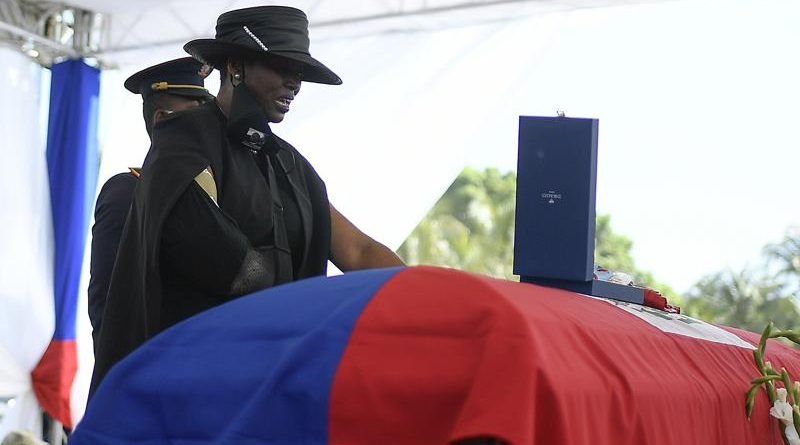 Haití: Funeral de Moïse se efectúa entre violencia