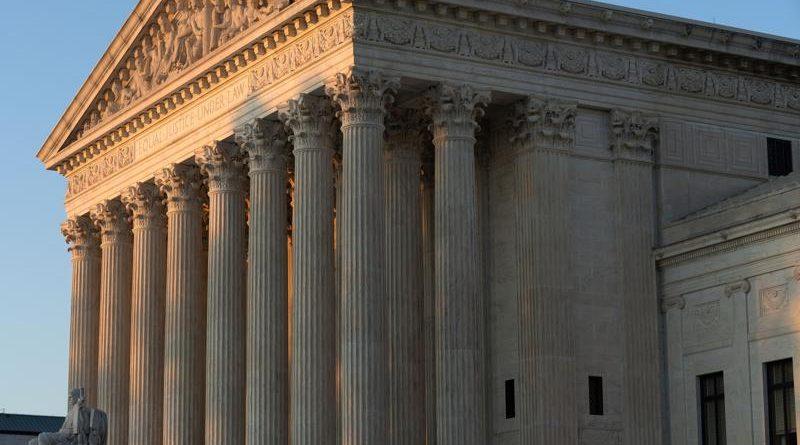La nueva moratoria de desalojos de Biden enfrenta dudas de legalidad