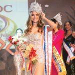 Representante de Ecuador se ciñó la corona de Miss Fiesta DC 2021